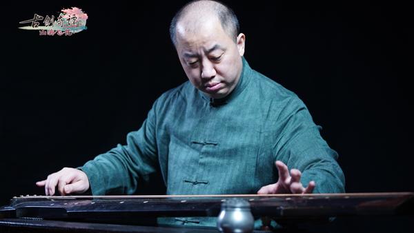 """图004茅毅老师用古琴""""松雪""""弹奏音乐.jpg"""
